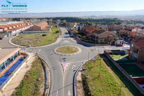 Vista aérea de rotonda tomada con drone