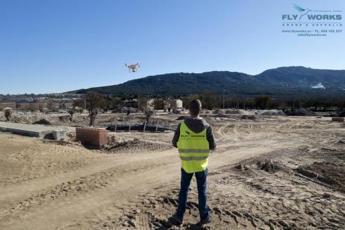 Pilito de drones autorizado por AESA