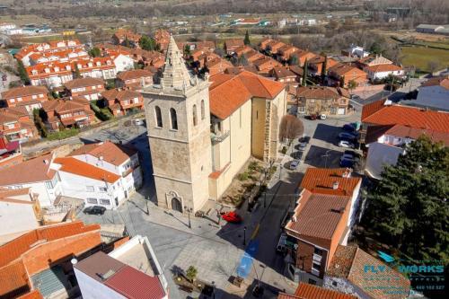 Vista aérea de iglesia
