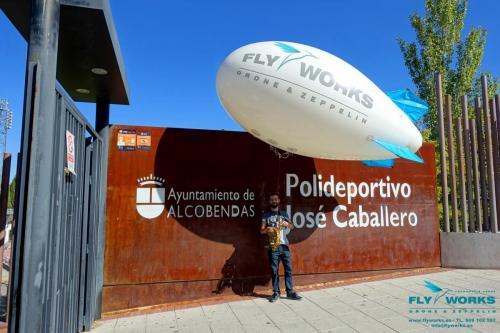 Zeppelin cautivo en Polideportivo José Caballero en Alcobendas